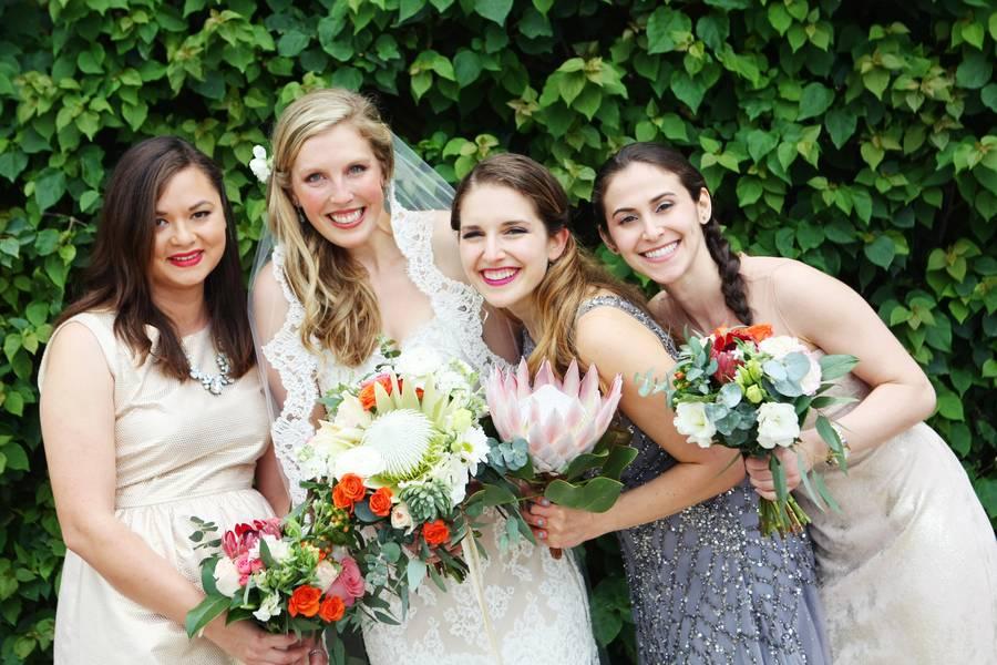 Tropical Bouquet Ideas for Your Beach Wedding