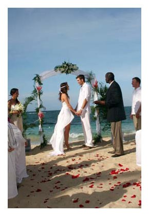 Tips for Feeling Your Best for Your Destination Beach Wedding