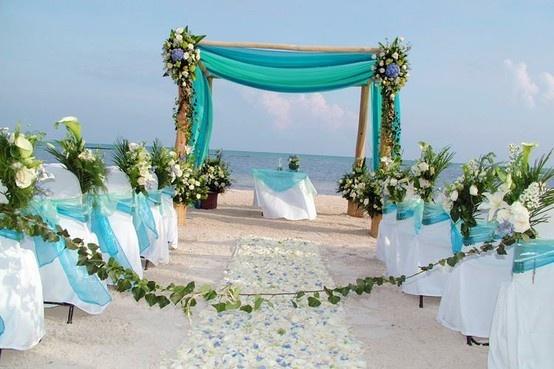 Three Things to Avoid at a Destination Beach Wedding