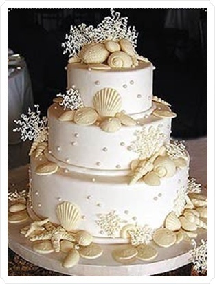 Ivory and Seashell Wedding Cake