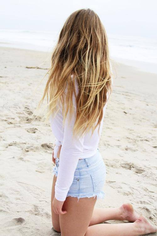 How to Get Beautiful Beach Hair without Visiting the Beach