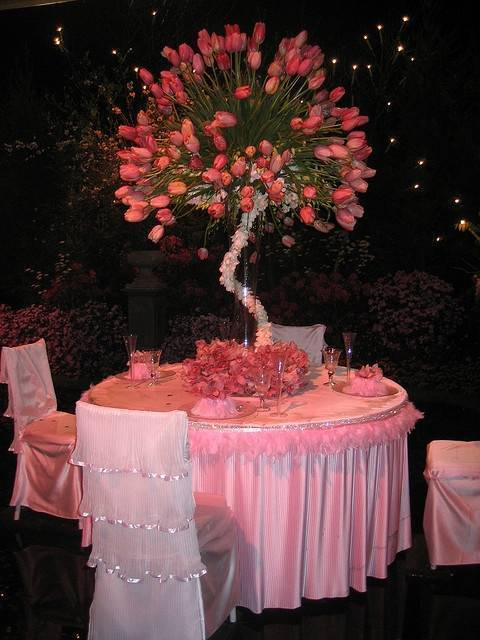 Large Tulip Tree Centerpieces