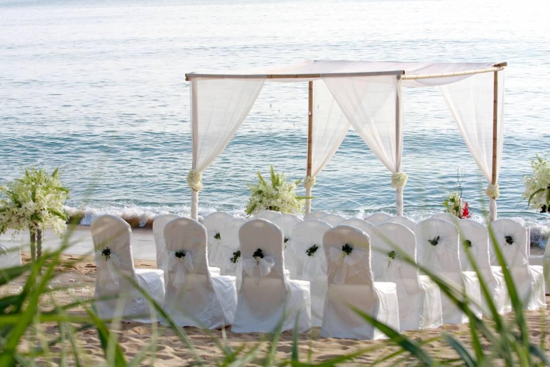 Cheaper Destination Beach Weddings: 5 Tips