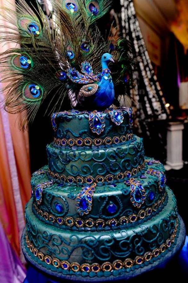 6 Unbelievable Peacock Wedding Cakes