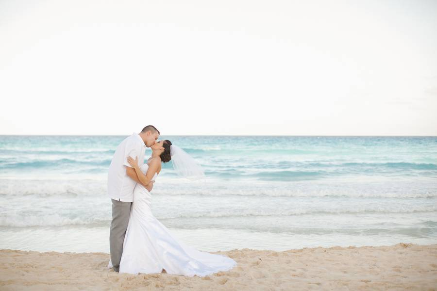 Gladue_Gladue_Taliah_Leigh_Photography_cancunbarcelotucancunbeachwedding0125_low