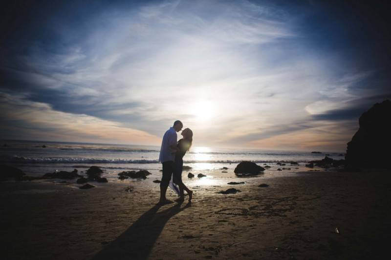 Andrews_Smith_Shed_Light_Photography_TKEngagedBeach3_low