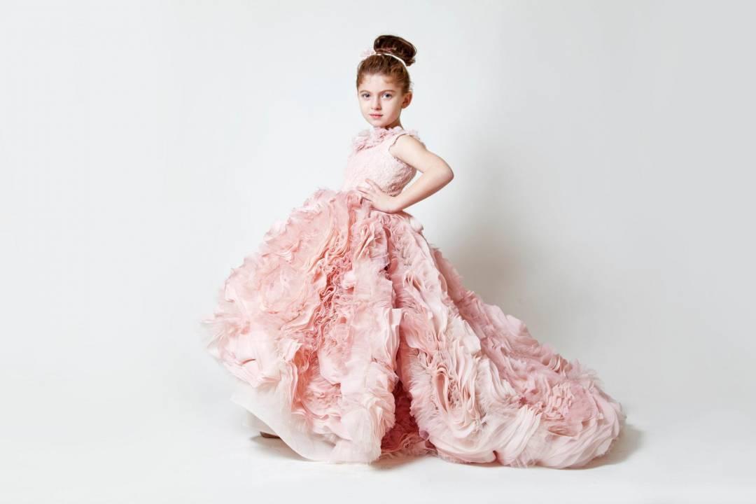 6 Most Beautiful Beach Wedding Flower Girl Dresses