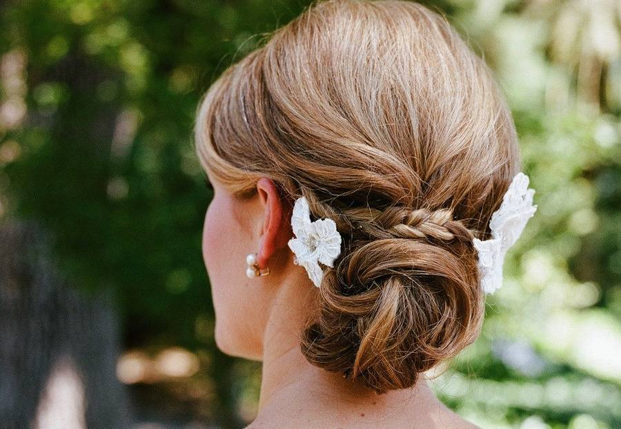 4 Unbelievable Spring Beach Wedding Hairstyles