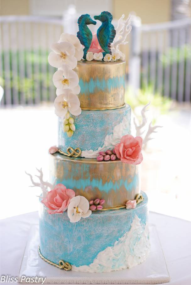 Gorgeous Beach-Themed Wedding Cakes