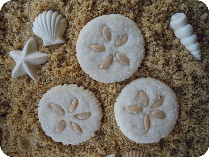 Edible Beach Wedding Favors: Sand Dollar Sugar Cookies