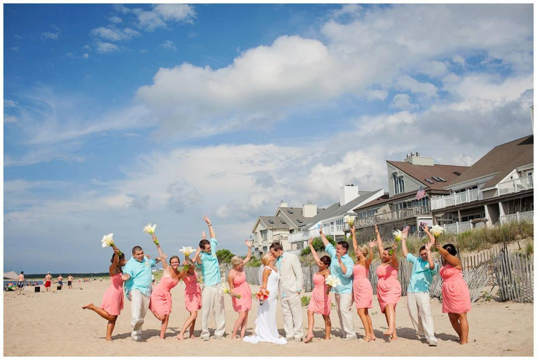 5 Tips for Sticking to Your Beach Wedding Budget