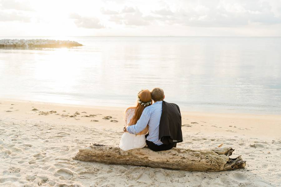 At Well With My Soul   Romantic Beach Engagement