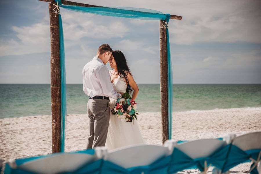 Tropical Styled Beach Elopement on Bradenton Beach