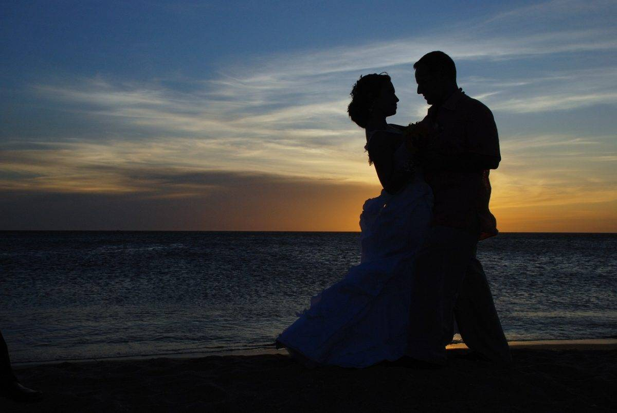 My 10 Tips & 20 Things Youll Want to Buy Before Your Destination Wedding