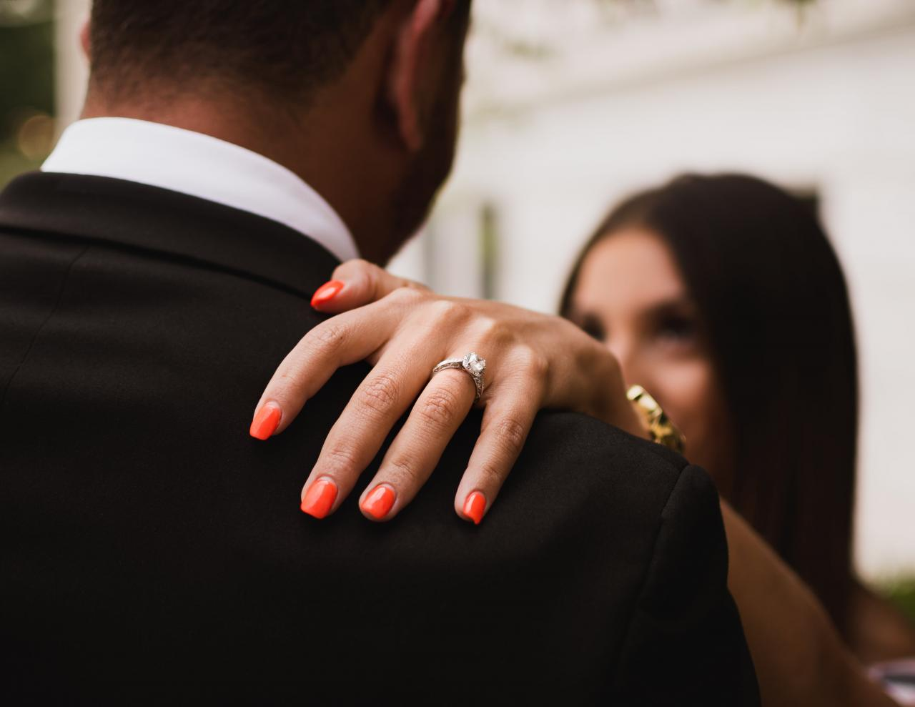5 Benefits of Buying a Designer Engagement Ring Setting