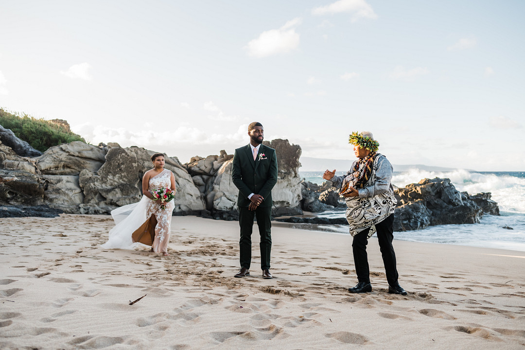 Just Mauid: An Intimate Tropical Elopement in Maui